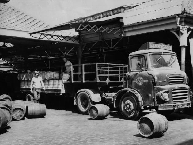 beer-truck loading